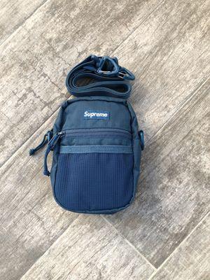 Supreme shoulder bag for Sale in North Las Vegas, NV
