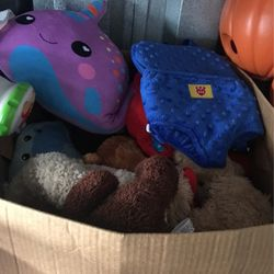 Box Of Stuffed Animals for Sale in Lodi,  NJ