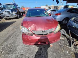 Toyota Camry 2004 only parts engine and transmission good for Sale in Opa-locka, FL