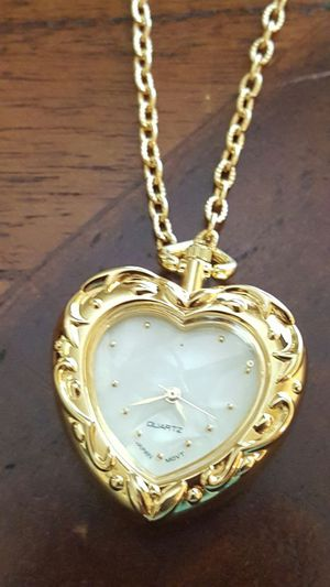 """36"""" long gold clock chain Unisex for Sale in Odenton, MD"""