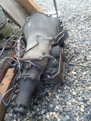 1995 suburban gmc 2wd transmission for Sale in Vancouver, WA