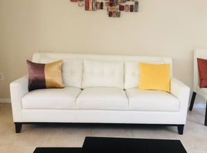 White Couch—-Excellent Condition for Sale in Miami, FL