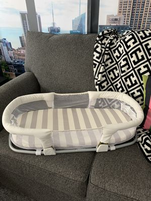 Baby bed - co sleeper - baby bassinet - baby stuff for Sale in Gilbert, AZ