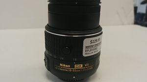 Nikon lens d3200 AF-s nikkor 18 for Sale in Port St. Lucie, FL