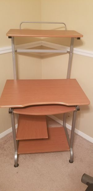 Small desk for Sale in Riverview, FL