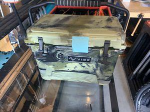 Vibe 20 qt cooler for Sale in Largo, FL