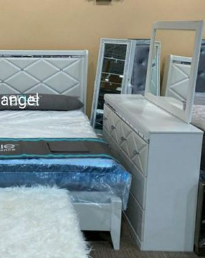 🧿BRAND NEW 🧿SPECIAL] Dreamur Cham pagne Panel Bedroom Set for Sale in Jessup, MD