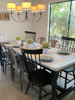 Farmhouse Dining Room Table and 4 Black Farmhouse Chairs for Sale in Sylmar,  CA