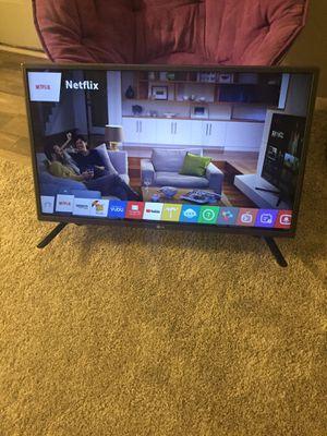 32 inch TV - Flatscreen for Sale in Charlotte, NC