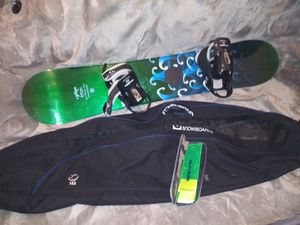 Lamar Storm Snowboard 139cm w/ Bindings / Tuning / Burton Bag for Sale in Philadelphia, PA