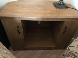 Corner TV cabinet shelf table for Sale in Woodbury, NJ