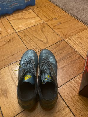 Adidas Messi Soccer Shoes size 9.5 For Men for Sale in Franklin Township, NJ