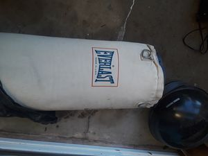 EVERLAST CANVAS PUNCHING BAG for Sale in Covina, CA