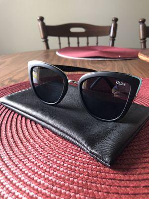 """Quay """"my girl"""" sunglasses for Sale in La Porte, TX"""