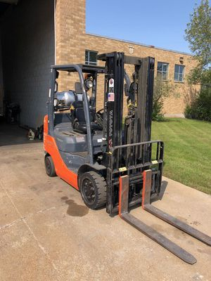 8 Toyota Forklifts in stock. 8FGCU25 for Sale in Addison, IL