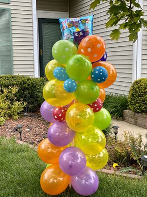 Birthday balloon column we deliver to you 😉 for Sale in Elgin, IL