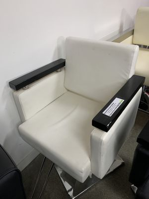 BarberPub Classic Hydraulic Barber Chair Salon Beauty Spa Hair Styling Chair 8803 White for Sale in Commerce, CA