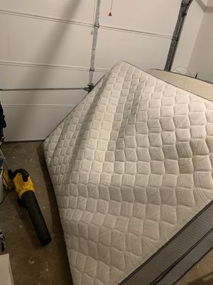 Free Full size mattress for Sale in Chamblee, GA