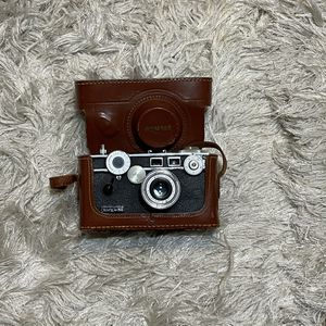 Vintage Argus C3 Film Colormatic Camera With Leather Case for Sale in Chandler, AZ