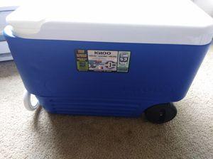 Igloo wheelie cooler for Sale in Bellevue, WA
