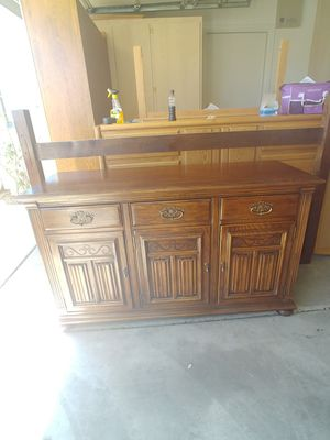 Ethan Allen Buffet/Hutch for Sale in Surprise, AZ