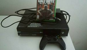 Xbox 1 500g with wires and 2 controllers all in working condition for Sale in New York, NY