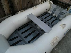 2006 Inflatable Dinghy Boat 2021 Stickers & Title 👍 for Sale in La Habra Heights, CA