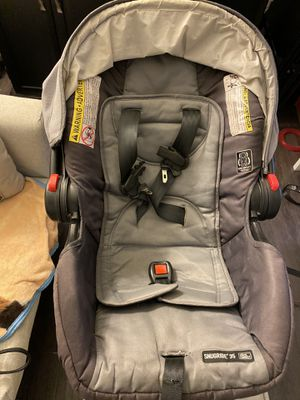 Graco snugride 35 click and connect car seat for Sale in Los Angeles, CA