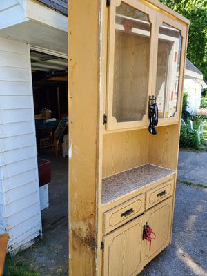 Blonde kitchen cabinets for Sale in Cuyahoga Heights, OH