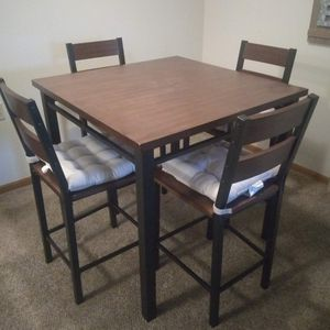 Bar Style Table for Sale in Beaver Dam, WI