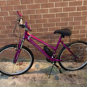 Women's Magna Bike (Christmas Special) for Sale in Washington, DC