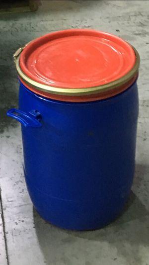 Plastic barrels for Sale in Miami, FL