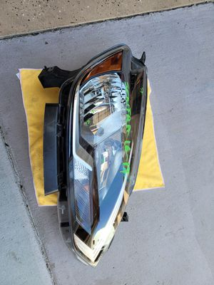 Nissan sentra 2016 2017 2018 2019 right headlight halogen for Sale in Lawndale, CA