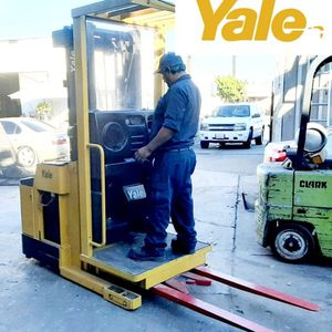"""ELECTRIC FORKLIFT ORDER PICKER FORKLIFT OS-030 """"YALE"""" BRAND NEW BATTERY!!! FREE CHARGER!!! $2,980!!! WHOLESALE for Sale in Artesia, CA"""