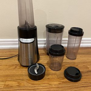 Cuisinart Blender - 4 Attachments, 2 Blades for Sale in Los Angeles, CA