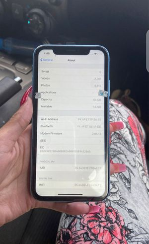 iPhone xr for Sale in Atascosa, TX