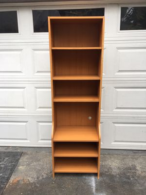 Modern maple melamine 6-layer shelves bookcase. Measurements 16 x 22 3/4 x 71 for Sale in Long Beach, CA