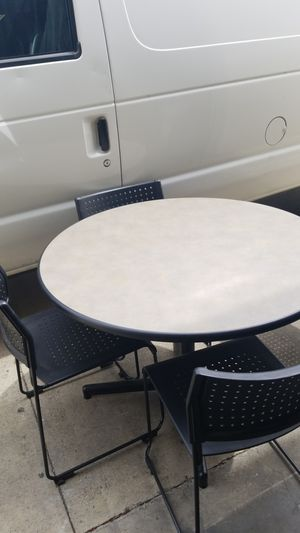 Round table four chairs for Sale in Anaheim, CA