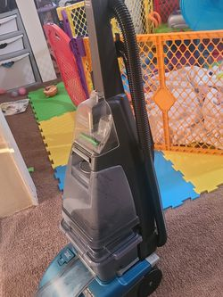 Carpet Cleaner for Sale in Cleveland, OH