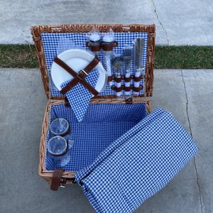 Picnic Set Picnic Basket Blanket And Accessories NEW for Sale in Seattle, WA