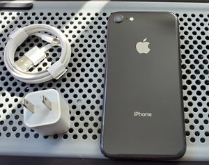 iPhone 8, !!Factory Unlocked & iCloud Unlocked.. Excellent Condition, Like a New... for Sale in Springfield, VA