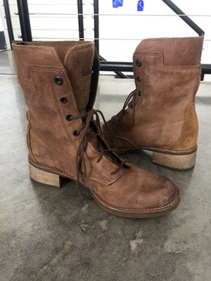 Women's Timberland Boots size 9 for Sale in Irving, TX