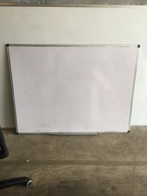 White board medium size for Sale in Portland, OR