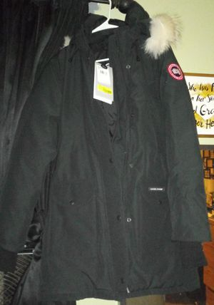 Med. Canada goose parka with real fur for Sale in Everett, WA