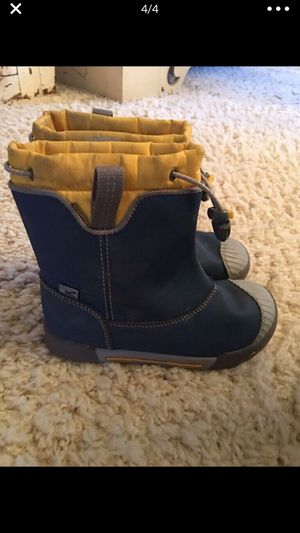 Youth Size 12 KEEN rain boots for Sale in Puyallup, WA