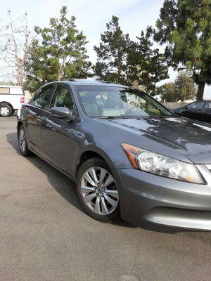 Honda accord EXL 2012 titulo limpio placas al corriente, 4 cilindros motor y trasmision exelente estado sunroof 4 cilindros for Sale in Irvine, CA