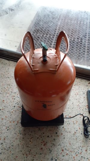 "FREON 404A REFRIGERANT COOLANT weighs 18.4 pounds ""LOOKS GREAT"" NO OFFERS, PRICE IS FIRM for Sale in North Miami, FL"