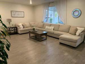 Sectional sofa with coffee table and end table for Sale in Fontana, CA