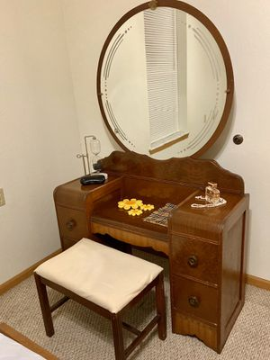 Art Deco waterfall vanity for Sale in Washington, MO