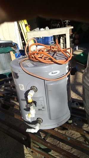 Water heater, whirlpool for Sale in Pearblossom, CA